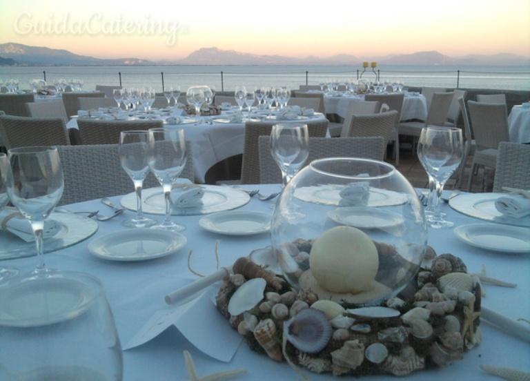 Matrimonio In Spiaggia Economico : L allestimento per un matrimonio in spiaggia pinella